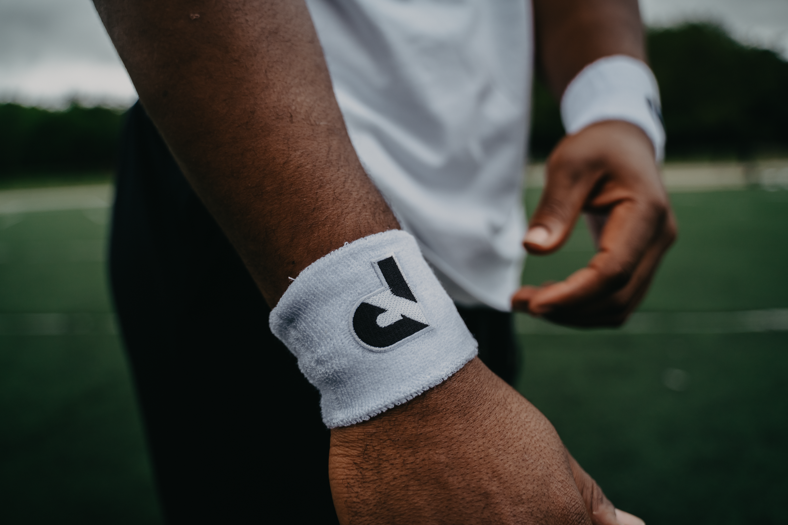 White Performance Wristbands (2-Pack)